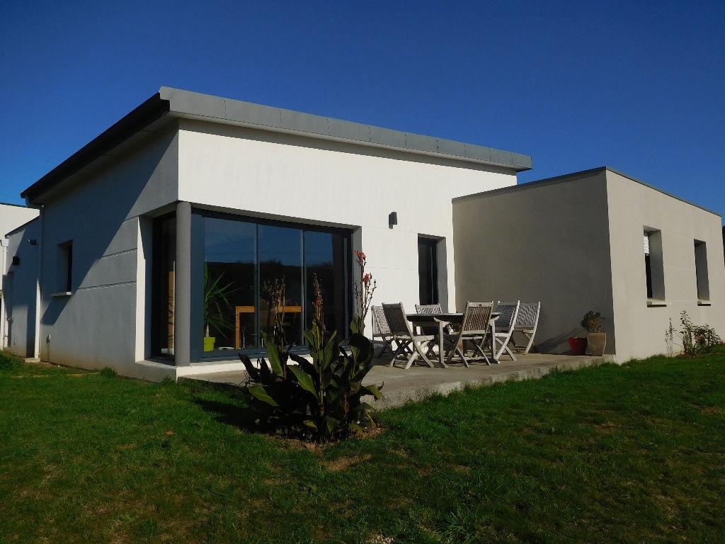 A vendre Concarneau maison plain-pied de 5 pièces.