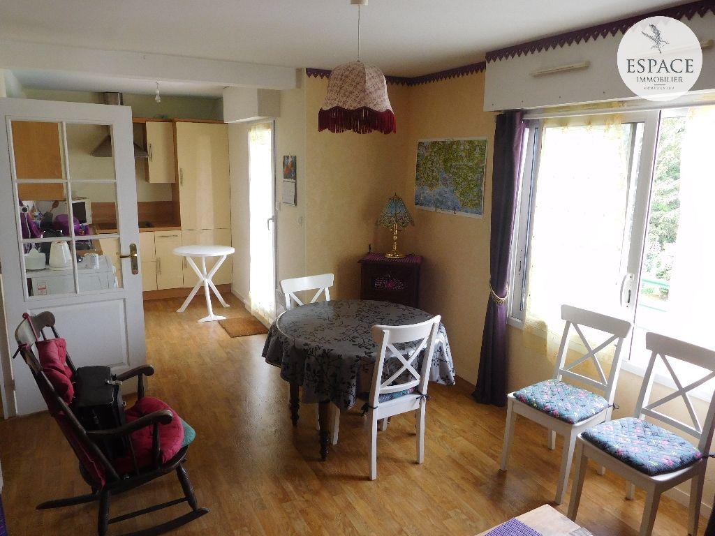 À vendre à Concarneau appartement T1 bis avec balcon, as...