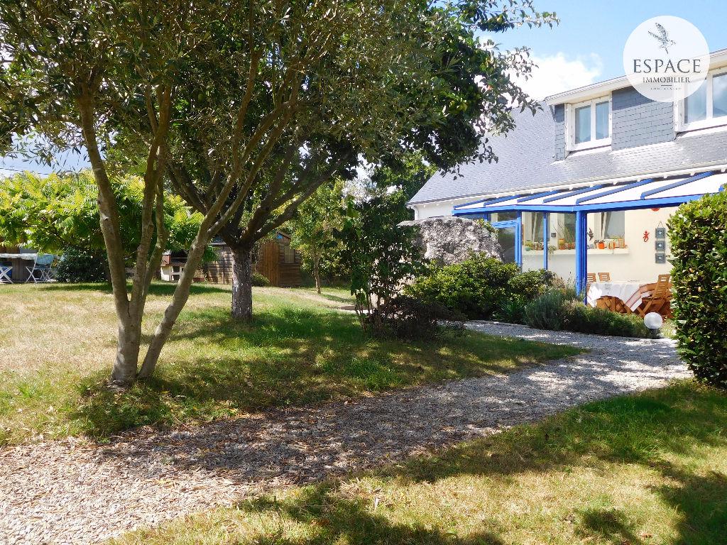 À vendre à Concarneau maison de plain-pied proche du bor...