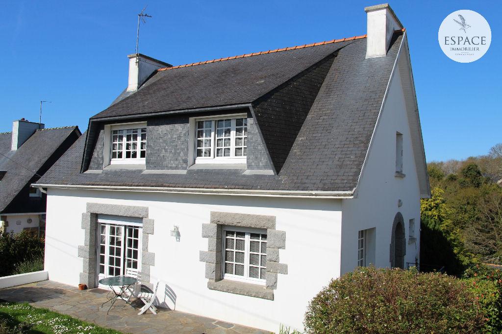 À vendre à Concarneau maison de 116 m² avec vie de plai...