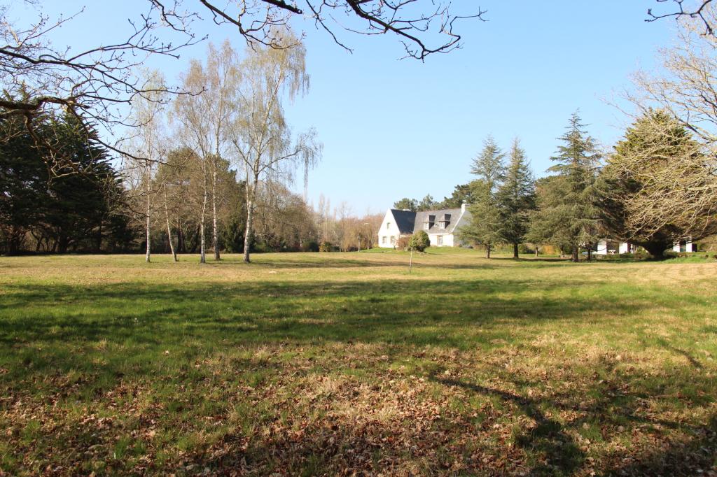 À vendre à Trégunc maison d'environ 230 m² proche bord...