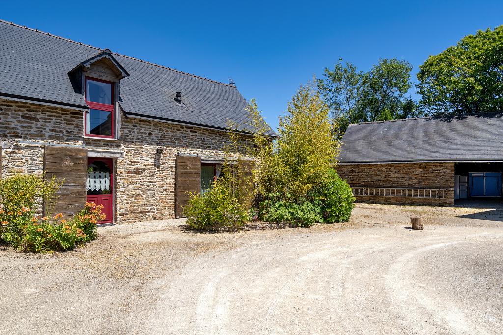 A vendre à Melgven ensemble de deux maisons en pierre